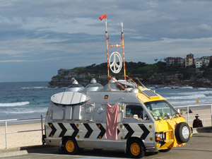 Lässiges Surfermobil am Bondi Beach.