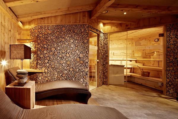 hotel berghof schwimmen in luftiger h he. Black Bedroom Furniture Sets. Home Design Ideas