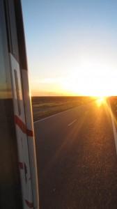 Der untergehenden Sonne entgegen. Foto: Nora von Breitenbach
