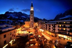 In Cortina ist immer was los, das Nachleben legendär. Hier der Corso.- Foto: Stefano Zardini