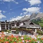 Das Sporthotel Alpenrose ist sowohl im Sommer ...