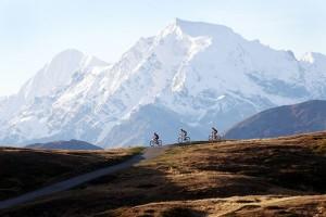"""Südtirols höchster Gipfel ist Namensgeber des """"Ortler Bike Marathon"""" durch den oberen Vinschgau im Westen des Landes. - Foto: Ortler Bike Marathon / Sabine Jacob"""