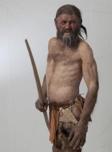 Die erstaunlich lebend wirkende Ötzi-Nachbildung wurde auf der Grundlage von anatomischen 3D-Modellen rekonstruiert. - Foto: Verkehrsamt der Stadt Bozen