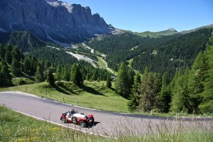 """Die Dolomitenrunde der 30. """"Südtirol Classic Schenna"""" verläuft 300 Kilometer über die schönsten Pass-Straßen. - Foto: Tourismusverein Schenna"""