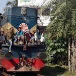 Zugfahren in Bangladesch.
