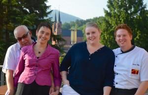 Die Wirtsleute und die potenziellen Nachfolger: Oliver und Gabriele Ulses, Tocher Nadine und Marius Bätz. - Foto: Medienkontor/Franziska Märtig