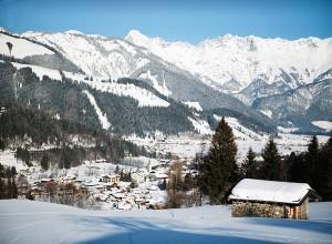 """Die Orte Leogang, Saalbach, Hinterglemm und Fieberbrunn haben sich zum größten zusammenhängenden Skigebiet Österreichs zusammengeschlossen. - Foto: Hotel """"Der Löwe"""" Leogang"""