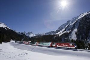 """Unter dem Motto """"Viva la Grischa"""" erleben Gäste des berühmten Glacier Express vom 12. März bis 4. Mai die Bündner Wochen. - Foto: Rhätische Bahn"""