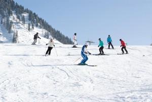 Und los gehts – es ist gar nicht so schwer. - Foto: Skischule Berwang
