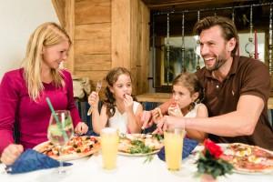 Die kleinen Gäste sind im Hotel Schneeberg  ganz groß! Die Angebote lassen nicht nur die Augen der Kinder, sondern auch die der Eltern leuchten.