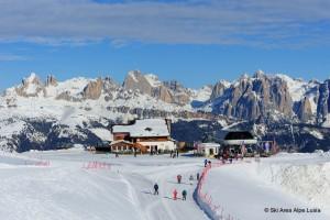 Zur nächsten Saison entsteht direkt von Moena aus eine drei Kilometer lange Umlaufbahn, die bei der Mittelstation Valbona (Foto) endet. - Foto: Skiarea Alpe Lusia