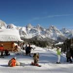 Und los geht`s. Bei herrlichem Sonnenschein und perfekten Schneeverhältnissen sollte der Skifahrer früh starten. - Foto: Silvano Angelani