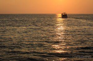 Sunset vor der Küste Honolulus.