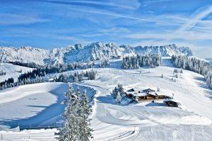 Die Jochstub`n inmitten der Skiwelt Wilder Kaiser-Brixental lädt zu einem gemütlichen Einkehrschwung ein. - Foto: TVB Wilder Kaiser / Chris Thomas