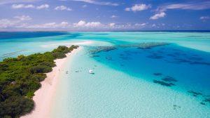 Die Malediven sind ein Traumziel für Badefreunde. Foto: pixabay.com / tpsdave