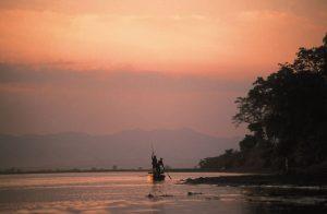 Sonnenaufgang im Chitwan-Nationalpark , der 1973 als erster Nationalpark des Landes unter dem Namen Royal Chitwan National Park gegründet wurde. Foto: Gebeco