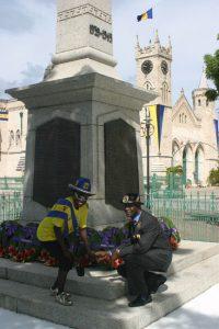 """Zum Gedenken an die Kriegshelden: """"Rememberance Day"""" im historischen Zentrum von Bridgetown"""