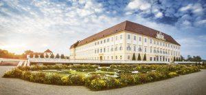 In Schloss Hof/Donau gibt es 2017 eine große Jubiläumsausstellung zum 300. Geburtstag von Kaiserin Maria Theresia. - Foto: Niederösterreich-Werbung / Michael Liebert