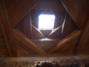 Decke eines typischen Pamirhauses.