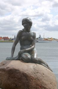 Die Kleine Meerjungfrau in Kopenhagen (Bild: Oliver Richter)