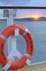 Sonnenuntergang in der Kieler Förde (Bild: Oliver Richter)