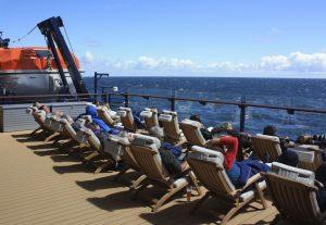 Ein Sonnenbad mit Blick auf die Ostsee auf Deck 5 (Bild: Oliver Richter)