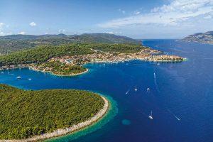 Traumhafte Urlaubsatmosphäre verspricht die beliebte Insel Korčula mit ihren schönen Stränden und einer überdurchschnittlich hohen Sonnenscheindauer. - Foto: epr / I.D. Riva Tours