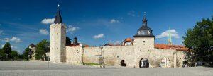 Mühlhausen: Zu den Anfängen, als sich der Ort durch Krieg und Handel zu seiner Blüte empor schwang, entstand die Stadtmauer, die auf einer Länge von 2,8 Kilometern wie ein großes, unförmiges Rechteck die mittelalterliche Stadt umschloss. – Foto: Tino Sieland