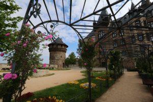 Wernigerode: Das Schloss in der sachsen-anhaltischen Stadt im Landkreis Harz erhielt seine jetzige Gestalt im ausgehenden 19. Jahrhundert und wurde zu einem Leitbau des norddeutschen Historismus. – Foto: C. Filipski