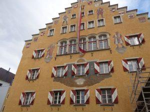 Das Rathaus am Stadtplatz steht unter Denkmalschutz. - Foto: Dieter Warnick