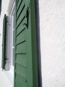 Hinter Fensterläden fühlen sich Fledermäuse pudelwohl. - Foto: Dieter Warnick