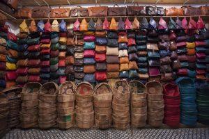 Der Verkaufsraum einer Lederkooperative. In ihr haben sich Gerber zusammengeschlossen. ©Foto Georg Berg