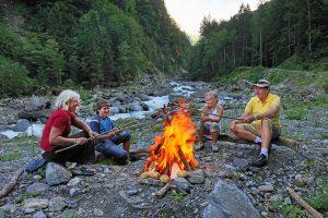 Stärkung im Aktivurlaub – 16 Picknickplätze gibt's entlang der Wanderrouten rund um Engelberg. - Foto: Engelberg-Titlis Tourismus / Christian Perret