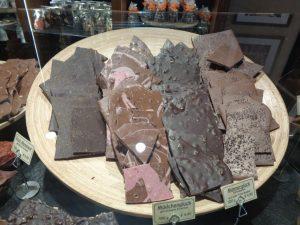 In der Chocolaterie Amelie hat sich die Familie Kässer zwischen aphrodisierenden Wirkstoffen und knackigen Stückchen einen Traum verwirklicht. - Foto: Dieter Warnick