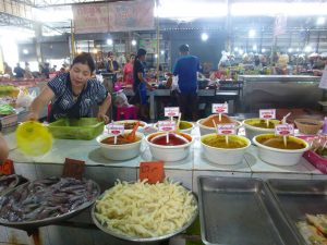 Markttreiben in Takhun. – Foto: Anke Sieker