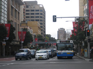 Auf Sydneys Straßen: erste Erfahungen im Linksverkehr.