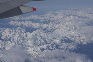 Neuseeland von oben: schneebedeckte Gipfel.