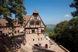 Die Hochzeitssuite ist im Hotel Wartburg für Brautpaare gratis. Foto: ortlepp pr matthes