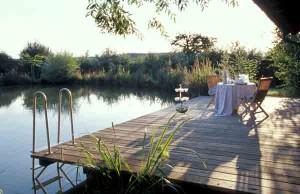 Ruhe und Entspannung am Teichs im Hofgut Hafnerleiten.