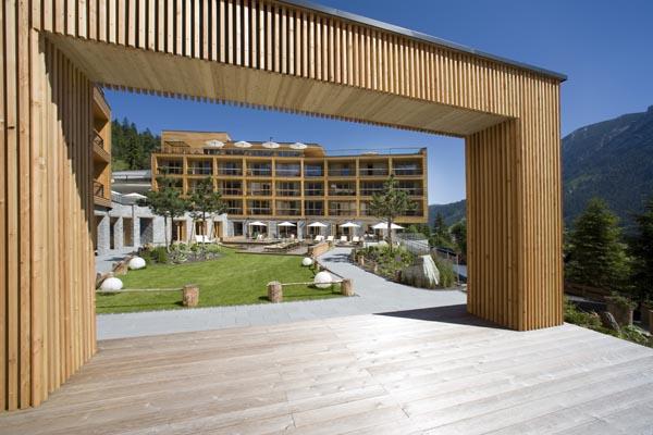Hotel das kronthaler am achensee mit ehrlichkeit zum erfolg for Familien designhotel
