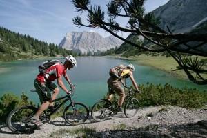 Mountainbiker sind in Berwang und Umgebung immer willkommen. - Foto: Tiroler Zugspitzarena/Eisenschink