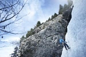 Die Wintersportmöglichkeiten sind vielfältig. Auch Eisklettern ist möglich.