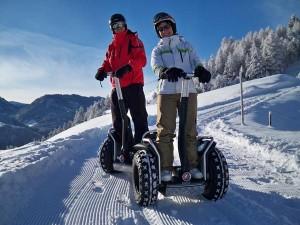 Wer nach Skifahren, Snowboarden, Skifox- oder Skidoo-Touren etwas Neues ausprobieren will, kann mit dem Segway zum Trekking aufbrechen.- Foto: Andi Kirschner