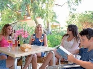 """Familienurlaub im Feriendorf """"Zum störrischen Esel"""" in Calvi, auf Korsika."""