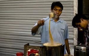 In Indien werden fast an jeder Ecke kleine und große Köstlichkeiten angeboten.