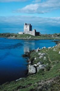 Das Dungaire Castle findet man an der Küste Galways. Foot: © Jupiterimages/Photos.com/Thinkstock. Bildunterschrift: .