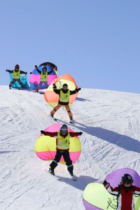 Kinderskikurse mit Segel liegen voll im Trend. - Foto: Serfaus-Fiss-Ladis