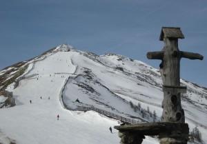 Der familienfreundliche Erlebnisberg Großeck-Speiereck bietet durch die ausgezeichnete Höhenlage bis 2400 Meter Schneesicherheit von Ende November bis Ostern. - Foto: Bergbahnen Lungau