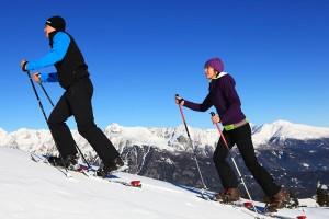 Pärchen auf dem Weg nach oben - Schneeschuhwanderer finden im Lungau beste Voraussetzungen. - Foto: Ferienregion Lungau