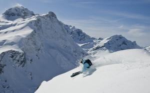 Warth-Schröcken, der Schneegarant am Arlberg, verspricht Gästen eine entspannte Urlaubswoche sowie vorweihnachtlichen Skispaß.- Foto: Warth-Schröcken